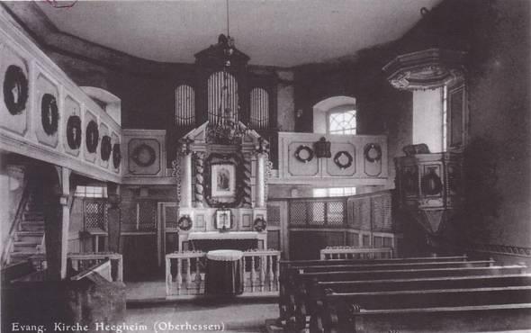 Innenraum der Kirche in Heegheim